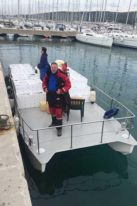catamarano con -1500kg-sopra