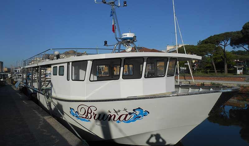 barca per miticoltura bruna