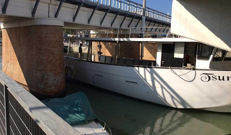 barca per miticoltura tsunami