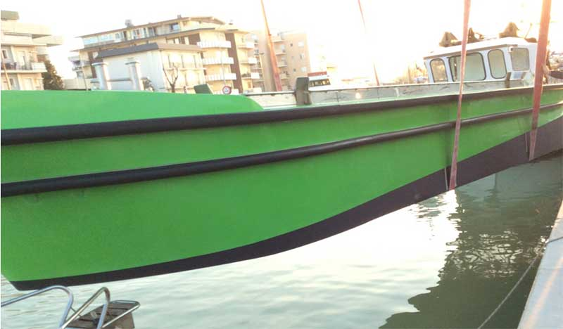 barca per pulizia venezia