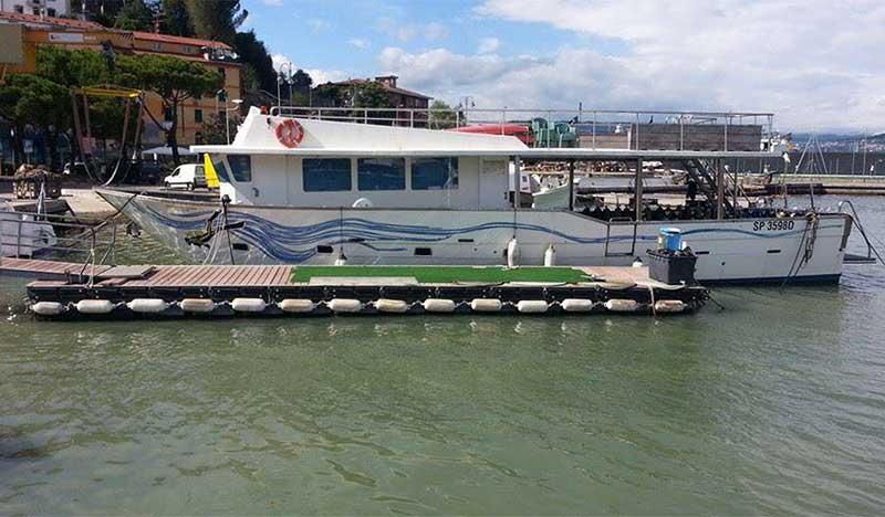 barca per subacquei