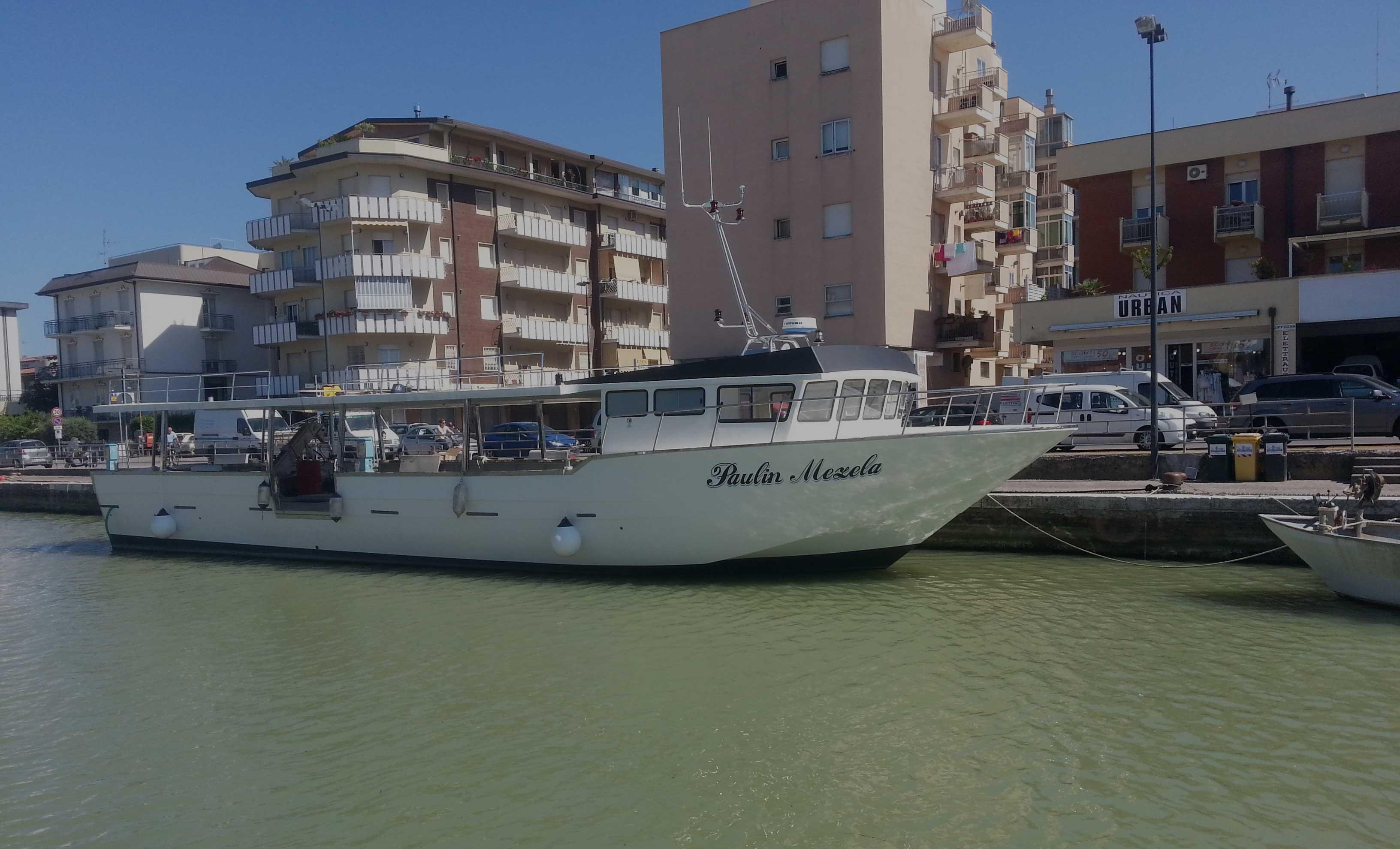 paulin mezela, barca raccolta molluschi, miticoltura, cozze